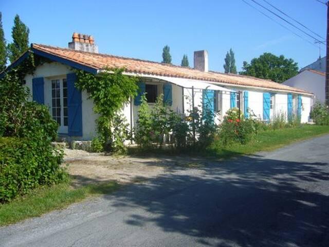 """La Rochelle Marais Poitevin """"Pitchounette"""""""