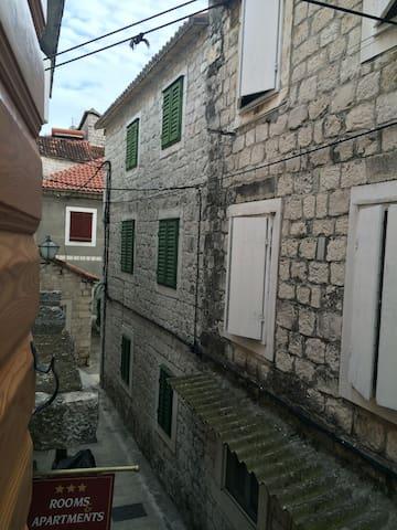 Old Town Trogir Dalmatian Studio - Trogir - Rumah