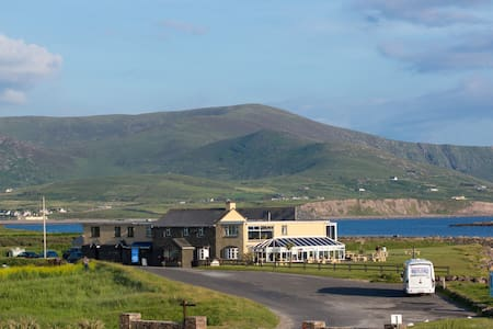 The Smugglers Inn - Guesthouse, Bar & Restaurant - Waterville - Bed & Breakfast