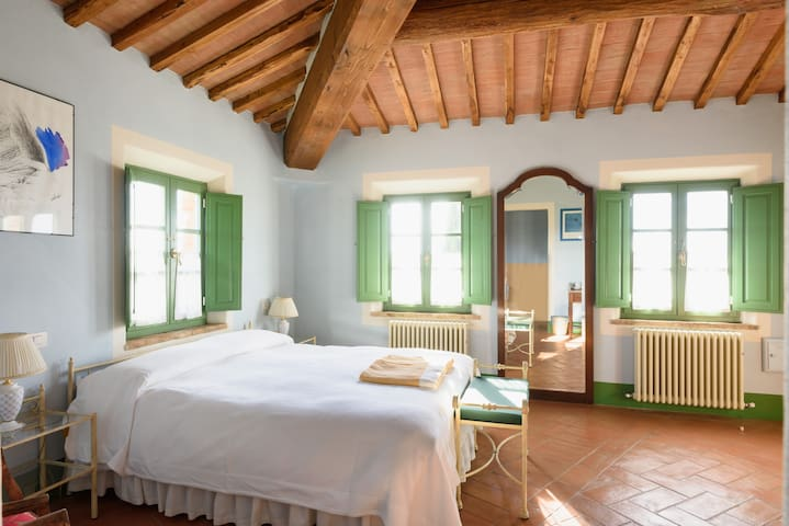 Comfort Double Bedroom With Breathtaking Views