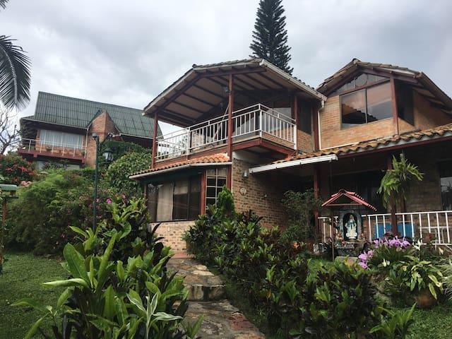 Casa de campo Sasaima