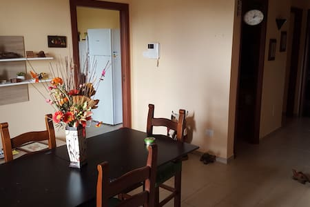 Ampio e luminoso appartamento - Altavilla Milicia - Apartamento