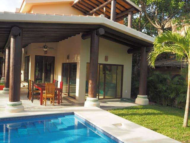 Casa Dos Papagayos - room Tierra - Puerto Aventuras - Bed & Breakfast