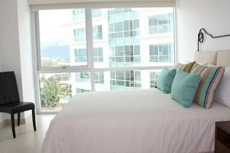 ICON-Puerto Vallarta- $99/Night - Пуэрто-Вальярта