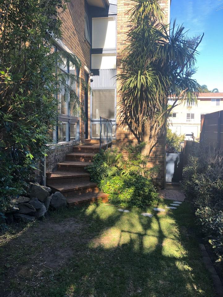 One bed garden apartment in quiet street.