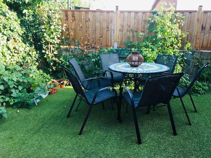 Maison cosy de plain-pied rénovée avec jardin