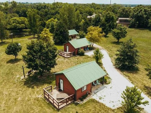 Cabin retreat with private hot tub and breakfast 3