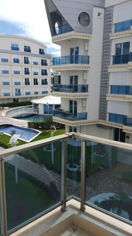 Супер квартира 1+1 в Мелда Палас! - Konyaaltı - Apartamento