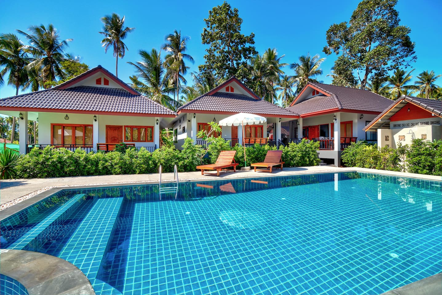 Starry Home Resort with the ozone swimming pool