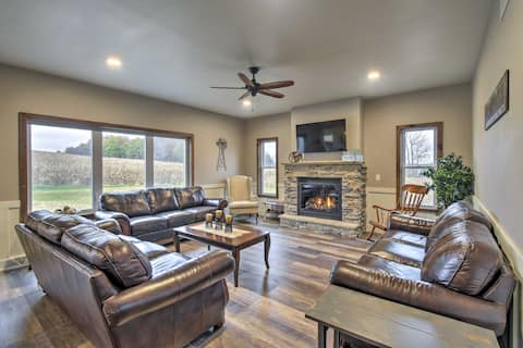 Luxe Lakefront Wisconsin Dells Home w/Private Dock