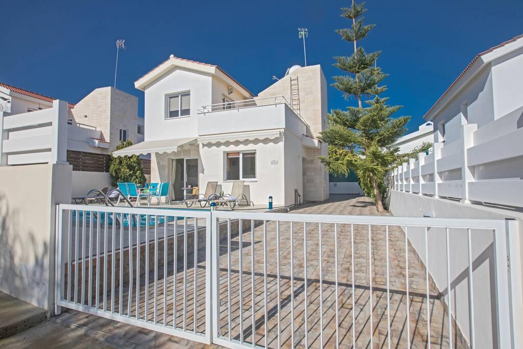 Cyprus In The Sun Villa Konnos 4