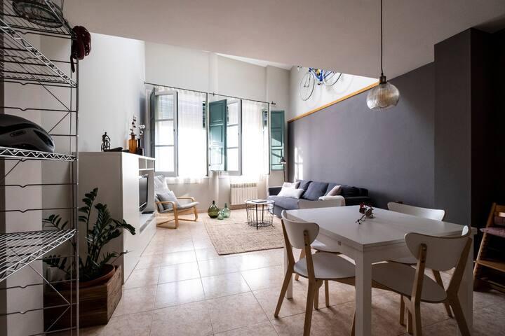 Home&Bike Girona Apartament