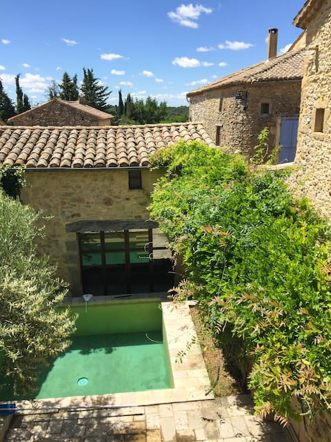 Charming luxury village house close to Uzes