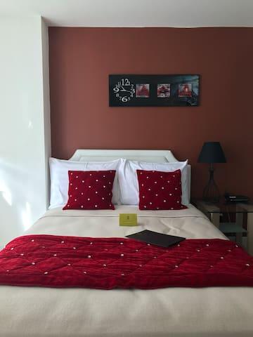 The Santorini Place (Azure Urban Resort)