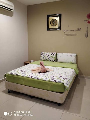 Monthly stayRM1200 free wifi,water, daily cleaning