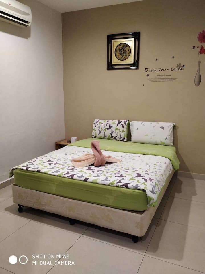 Monthly stayRM1350 free wifi,water, daily cleaning