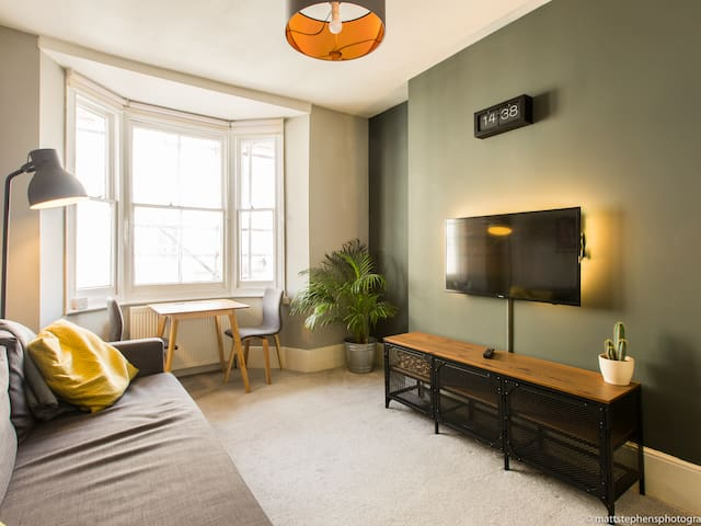 *NEW* Modern 1BDR flat in the heart of Brighton