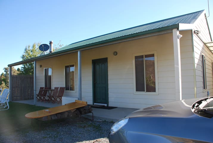 2 bed rooms cabin in rural areas - Wamboin - Cabana