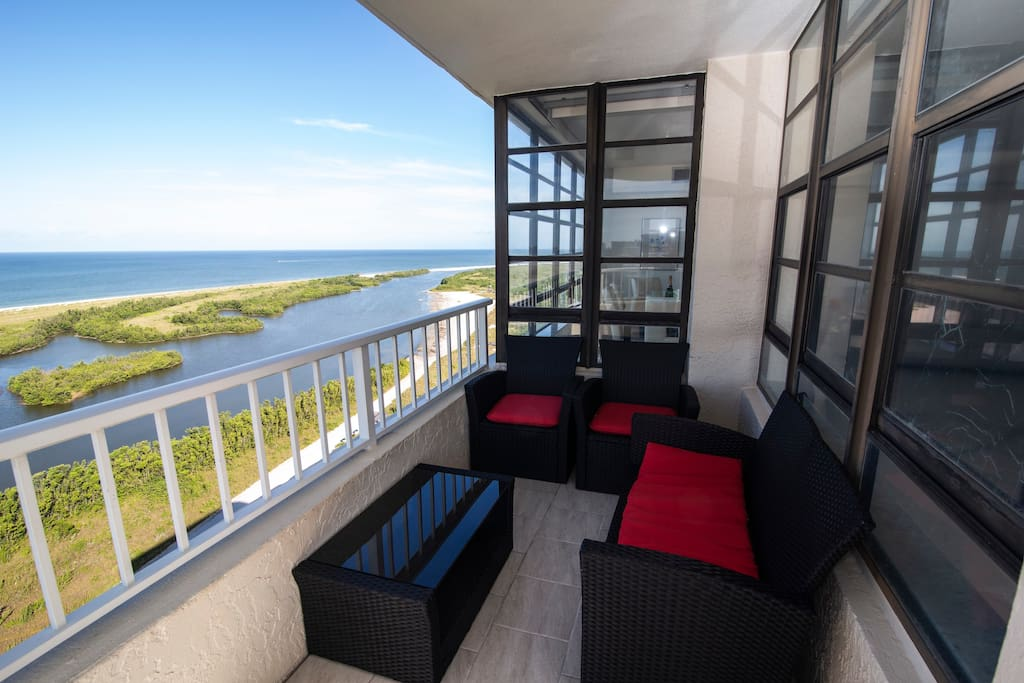 Sitting area with direct view of Gulf of Mexico