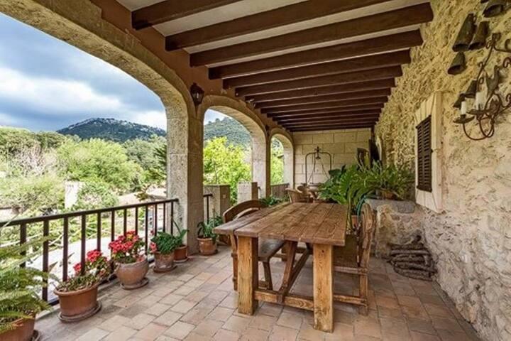 Amazing house in Serra de Tramunta, Mallorca