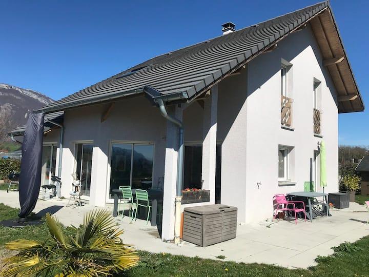 Villa contemporaine proche stations ski de Savoie