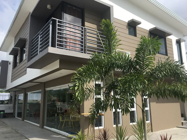 New! Bldg 2 -Very near Calle Crisologo!! Dorm type