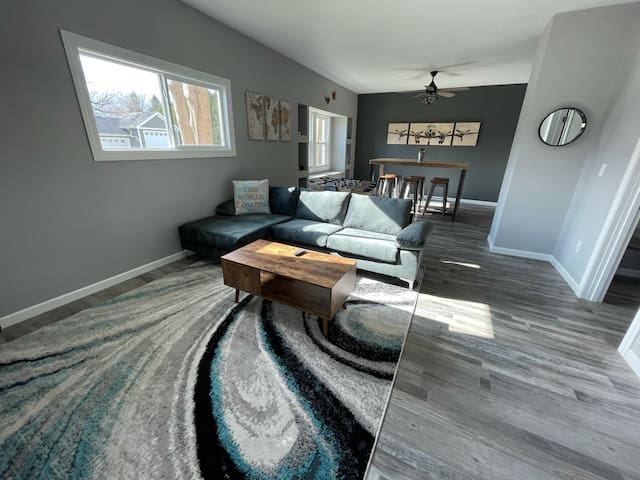 Open concept living room+dining