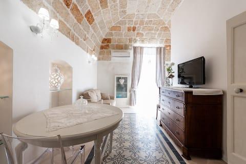 """A romantic """"Alcova"""" with a private balcony!"""