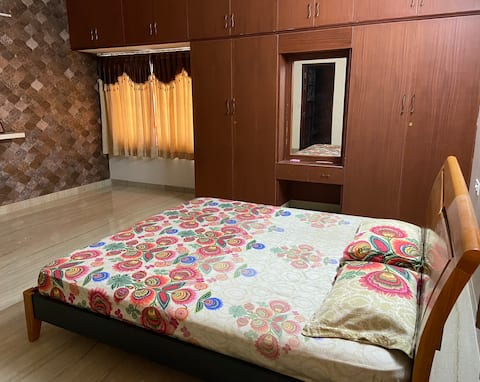 Comfortable  stay in  a Villa with hygiene Food
