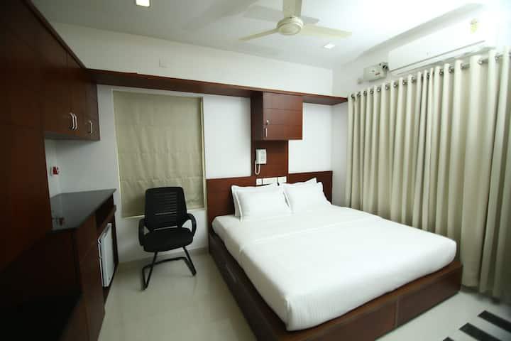Family Suite near Amrita Hospital, Edappally