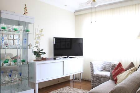 Apartamento ensolarado próximo à Vila Madalena