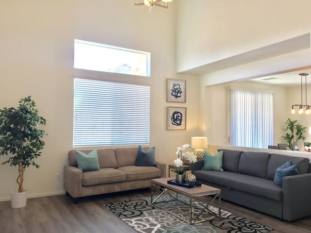 3BR/5Bed/8Guest Close to the Strip/Outlet/Airport - Las Vegas - Hus