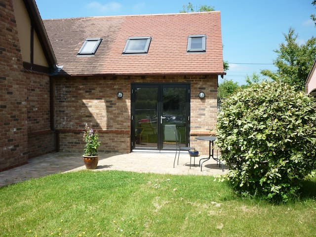 Self contained Annexe in lovely Sunny Suffolk - Wyverstone - Wohnung