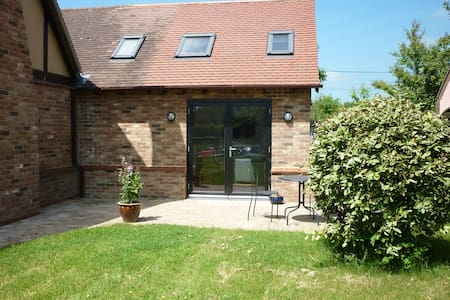 Self contained Annexe in lovely Sunny Suffolk - Wyverstone - อพาร์ทเมนท์