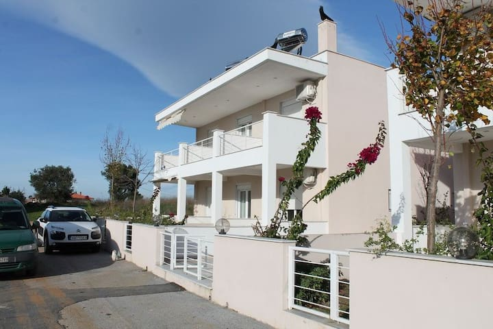 a cozy 2-storey apartment near the sea(50 meters)