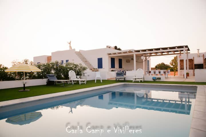 Amazing house with swimming pool in La Mola