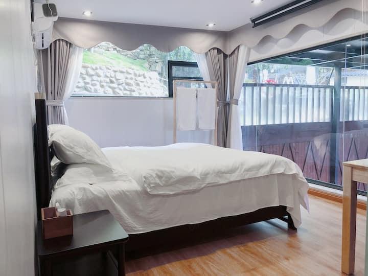 【米兰】庐山好汉坡/大床/投影仪玻璃房