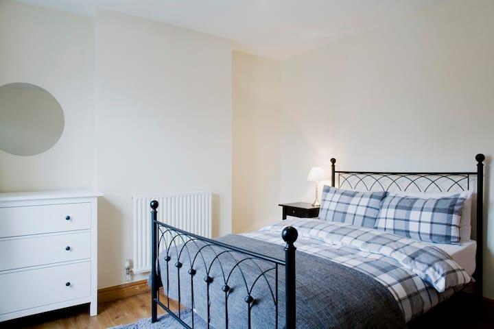 Cosy 3 bedroom house in central Wolverhampton
