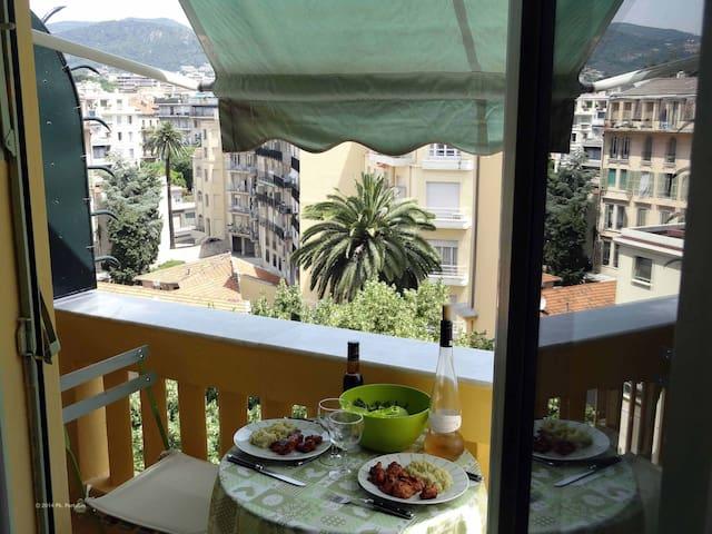 Aah! 'Holiday on Nice' Apart