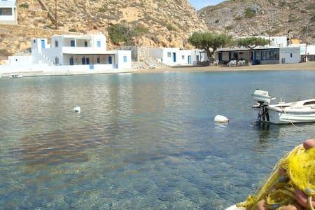 Klados Seaside SuperiorDoubleStudio - Sifnos