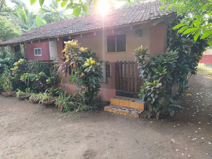 Private room with Kitchen in Anjuna.