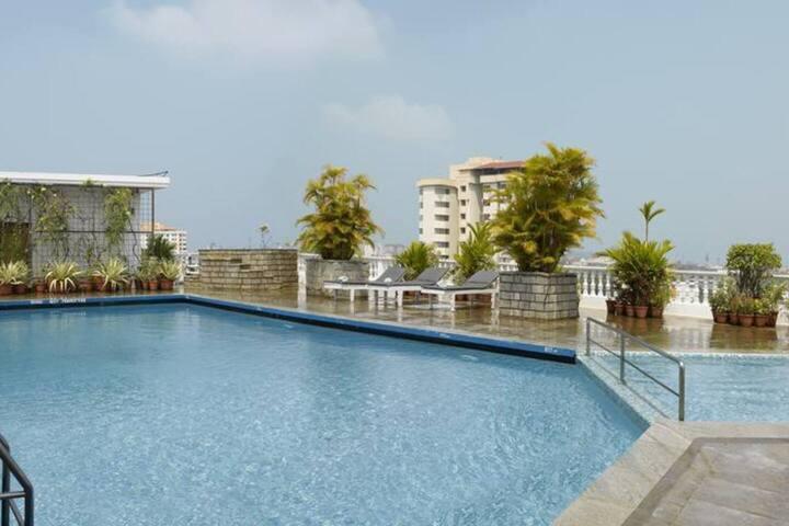 Suite room with B& B at Kochi - Kerala