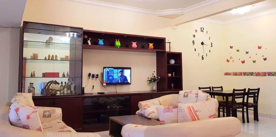 Bentong Makmur Hill Homestay (文冬富裕花园山顶) fit 11ppl