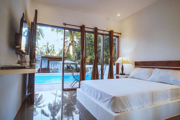 Quest Villa - Standard Room Pool View