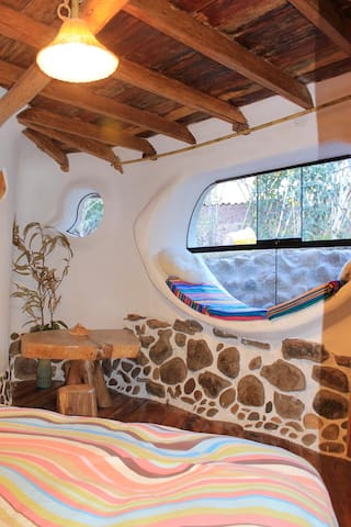 Habitación 2: (Cama Matrimonial, incluido baño privado)