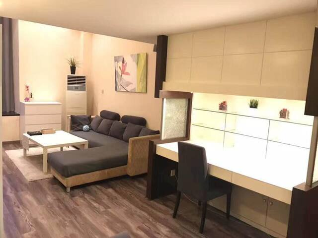 [CENTRAL] 2 Bdr apartment Jing'an (Nr line 2/7/13)