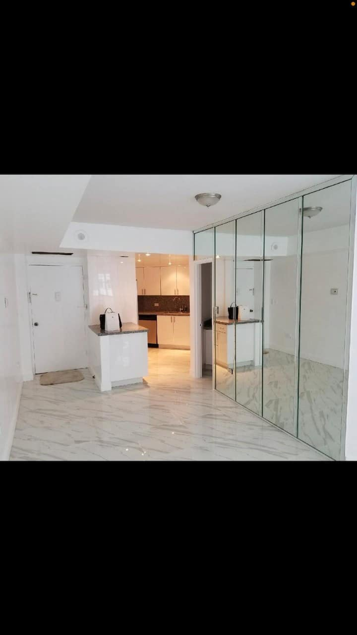 Gorgeous private room in Brickell