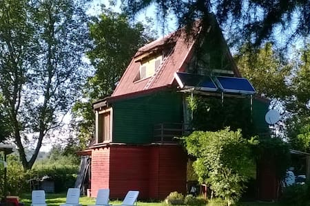 villetta in legno con giardino - Cascina Malpensa - บ้าน