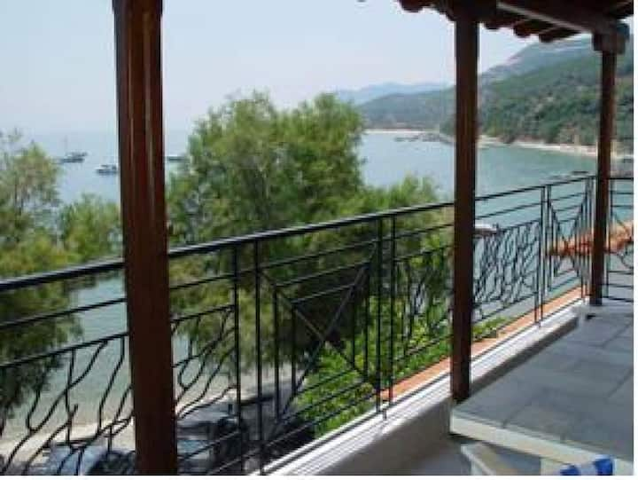 Studio in Platanias Pelion just a step from the sea