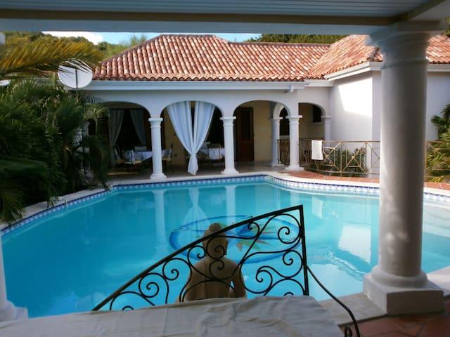 Villa ATRIUM secteur résidentiel d'Orient-Bay - MF - Villa